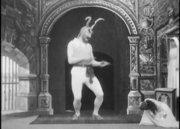 魔鬼和雕像