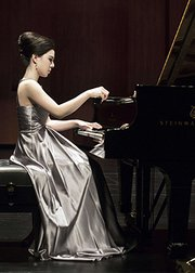 黄子芳钢琴演奏