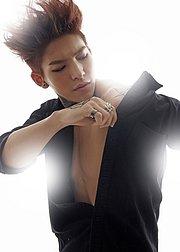 韩国男团搏位战,最销魂的mv画面让你大开眼界!