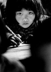 """开学第一课:""""大眼睛""""苏明娟长大嫁人,现场带娃感恩摄影师解海龙"""