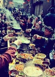 盐茶古道久负盛名 流传长街宴习俗