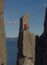 《颤栗》|瘫痪攀岩者重返岩壁完成未竟的攀登