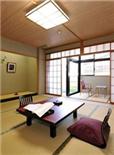 旅店 1晚3000日元的绿洲