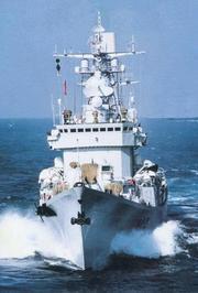 局座:美舰闯南海用051去撞船