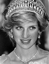 丑闻缠身的英国王室女人们