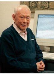 走近新加坡国父 李光耀传记(中)
