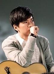 时代边上浅唱的音乐人李健